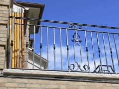 custom-wrought-iron-exterior-railing-6