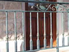 custom-wrought-iron-exterior-railing-12
