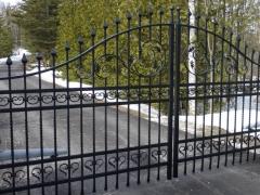 wrought-iron-driveway-gate-1