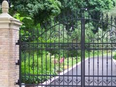 wrought-iron-driveway-gate-13