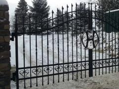 wrought-iron-driveway-gate-17