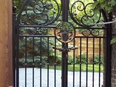 wrought-iron-walk-gate-forged-14