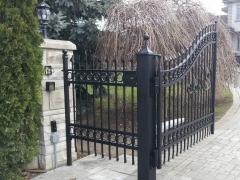 wrought-iron-driveway-gate-25