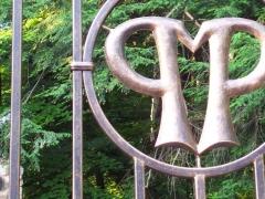 wrought-iron-driveway-gate-31