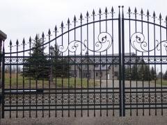 wrought-iron-driveway-gate-40