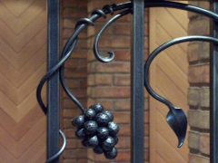 wrought-iron-wine-cellar-door-grill-4
